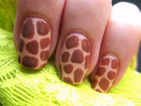 Zürafa Desenli Tırnaklar