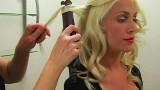Christina Aguilera Tarzı – Saç düzleştirici ile saçları kıvırma yöntemi