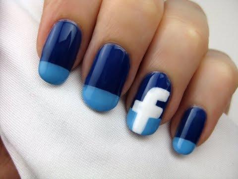 Facebook Logosu Tırnaklarda