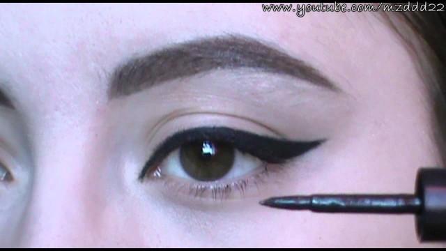 Göze Eyeliner Uygulamak: Göz Kalemi, Likit Eyeliner ve Jel Eyeliner'la