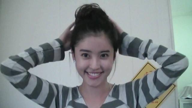 Kore Saç Modelleri – Kore Tarzı Saçlar (Topuz Modeli)
