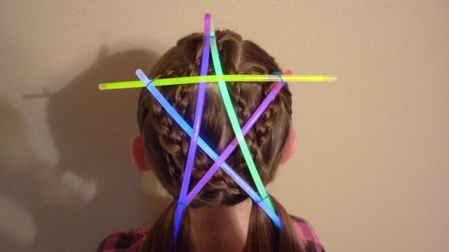 Yıldız Saç Modeli (Yıldız şeklinde örgü modeli)